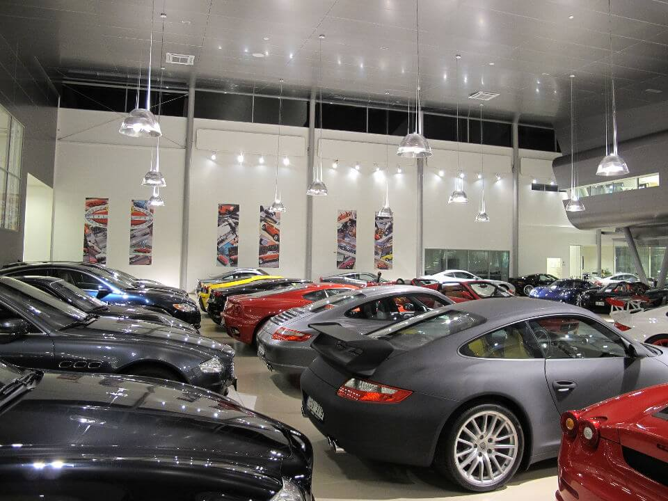 Belysningsplan för bilhall