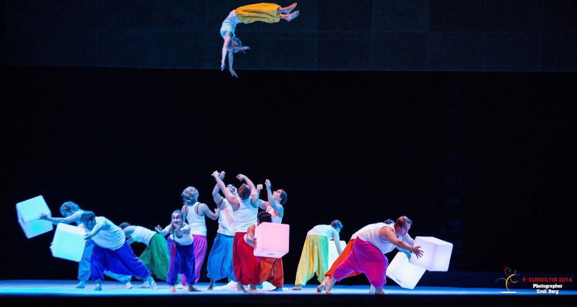 Högt uppkast av gymnast på Eurogym 2014