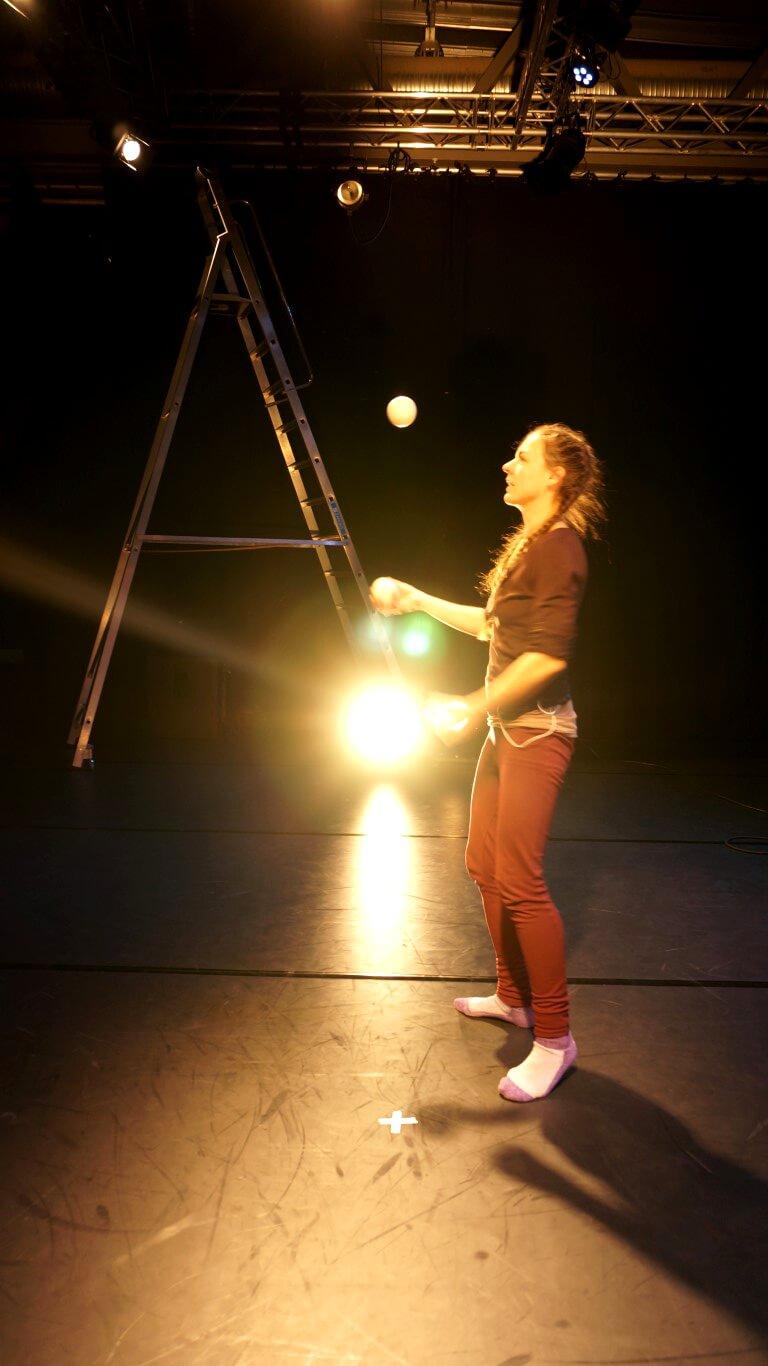 jonglering scen ljusdesign